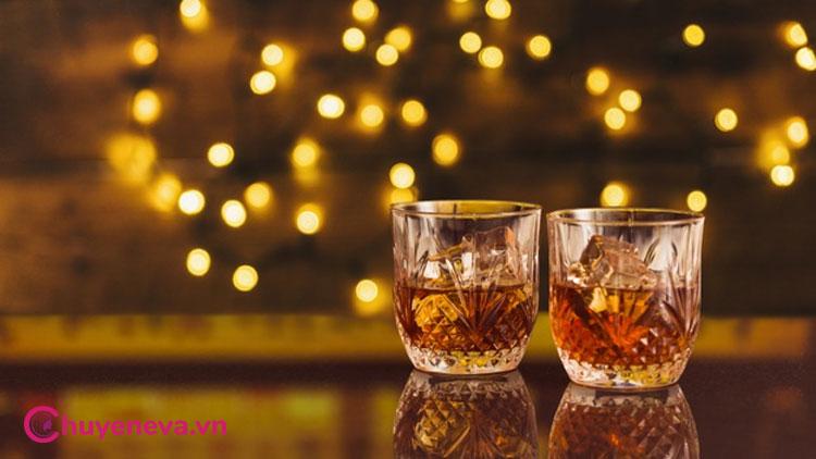 Đau bụng kinh có nên uống rượu để làm giảm cơn đau? 1